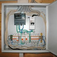 Монтаж, установка, замена, ремонт электрического щитка в Омске. Ремонт электрощита Омск. Индивидуальный квартирный электрощит в Омске
